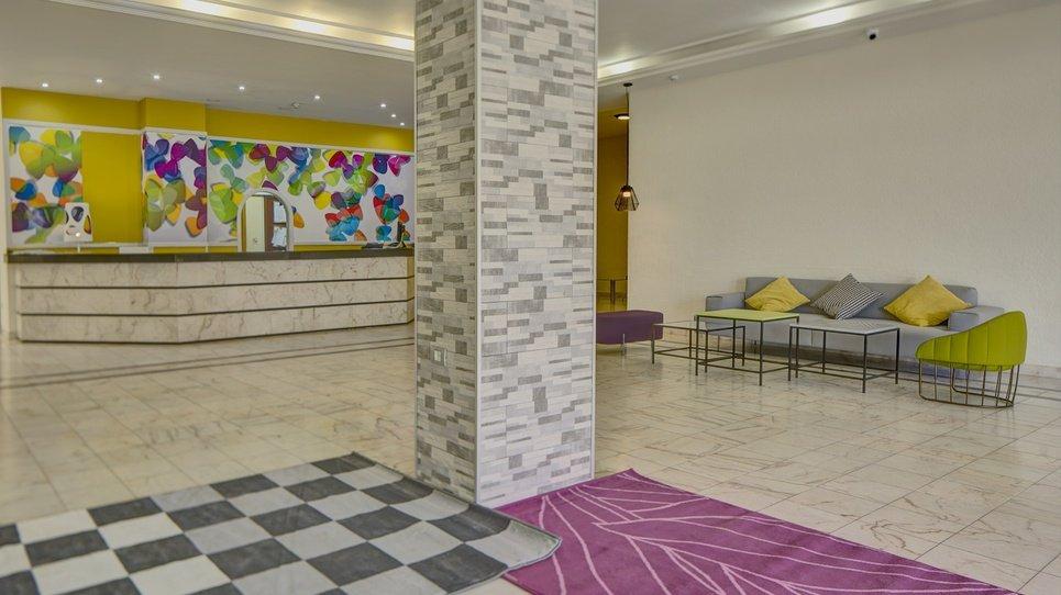 RECEPCIÓN 24 HORAS Hotel Coral Teide Mar